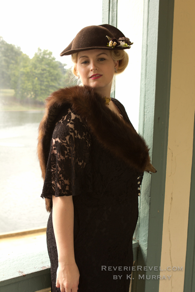 1904 worlds fair lace dress and mink fur stole with vintage hair via Va-Voom Vintage