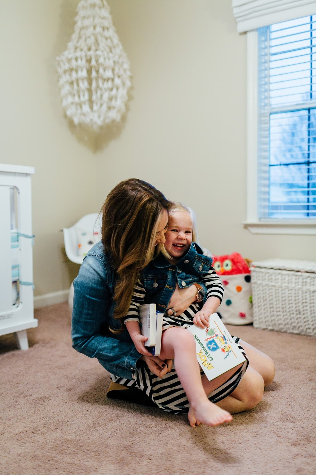 The Easiest Way For Reading To Children Everyday by popular blogger Laura of Walking in Memphis in High Heels