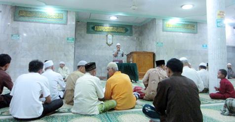 Diantara Tanda-tanda Kiamat: Tampilnya Orang Fasik di Masjid
