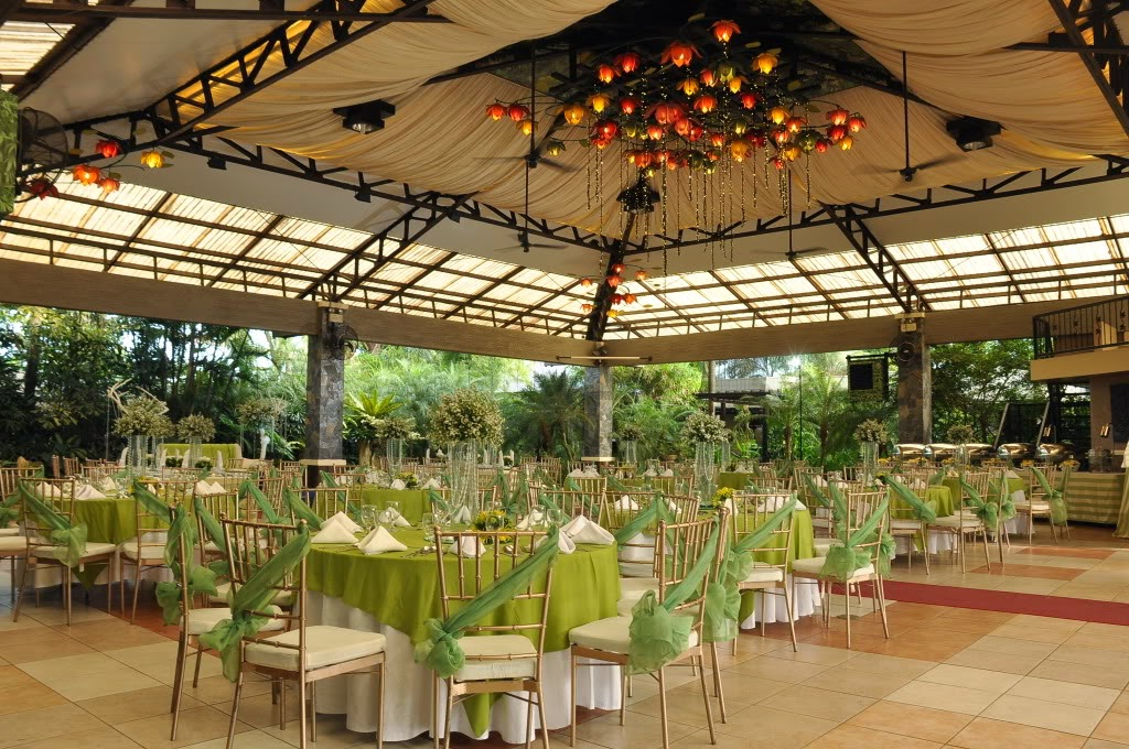 Function Halls Gazebo Royale Has Three The 900 Square Meter Champagne Hall That Can Accommodate 400 To 1000 People