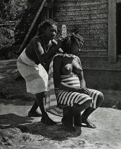 Girls self taken nude photos