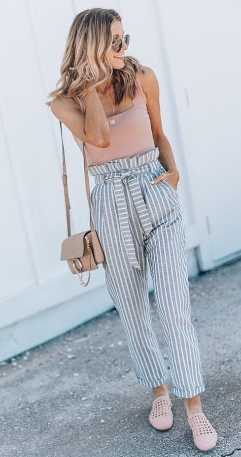 casual style addict / blush bag + slides + striped pants + tan top