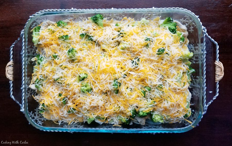 Cooking with carlee grandmas chicken broccoli casserole this recipe seemed like a great way to use it up obviously you can used leftover roast chicken chicken breasts or you could pick up a rotisserie chicken forumfinder Image collections