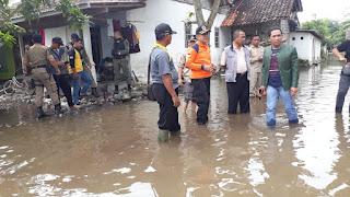 Bupati Thoriq Tinjau Banjir di Dusun Banter