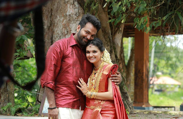 Saranya Mohan and Aravind Krishnan after their wedding ceremony