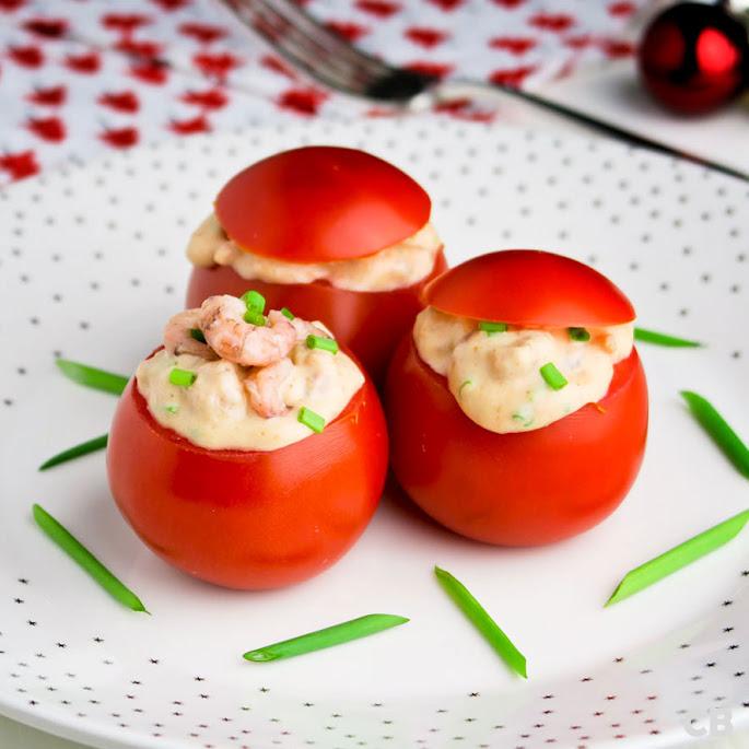Tomaatjes gevuld met garnalensalade