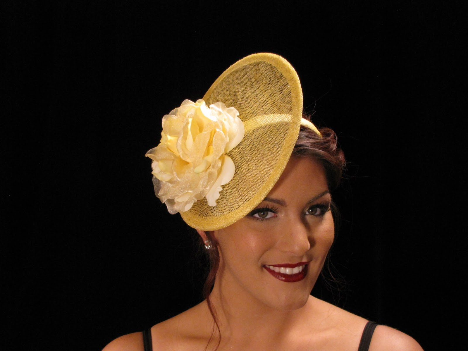 Fascinators Are Worn A Little Diffe From The Hats In Past Today Many Women Have Short Hair So How Is That Disk Staying Perched On Side