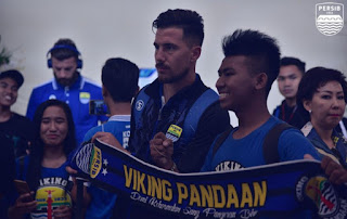 Viking Pandaan menyambut Persib
