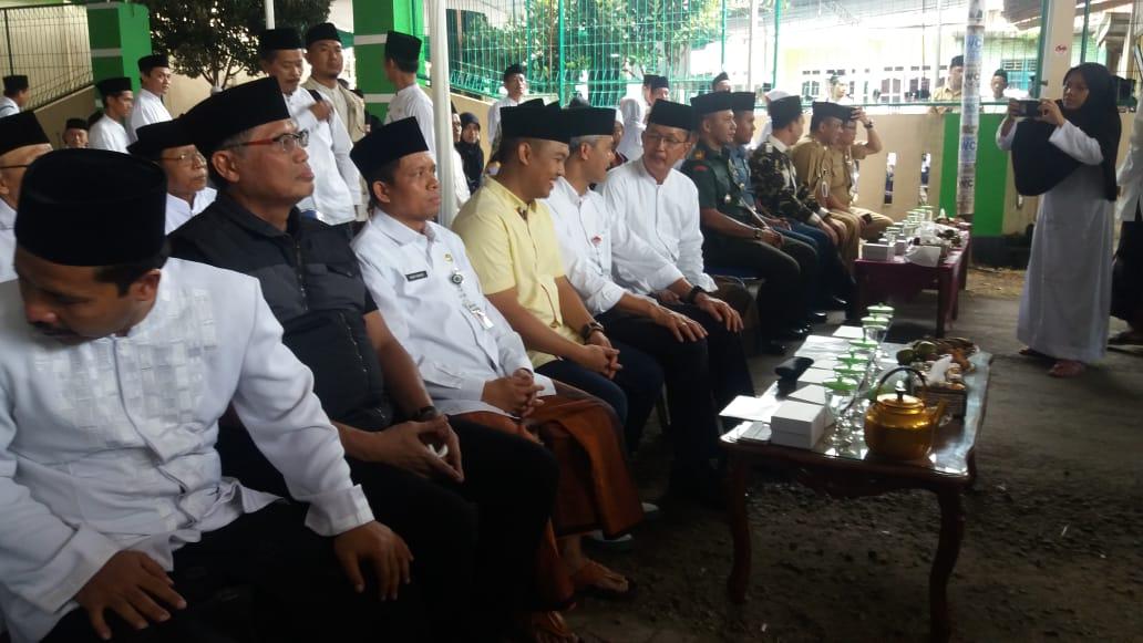 Danramil 06/Kesugihan Turut Menyambut Kedatangan Gubernur Jateng di Ponpes Al Fiel