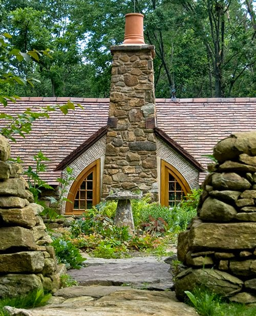 10-Archer-&-Buchanan-Architects-Hobbit-&-LotR-Cottage-JRR-Tolkien-www-designstack-co