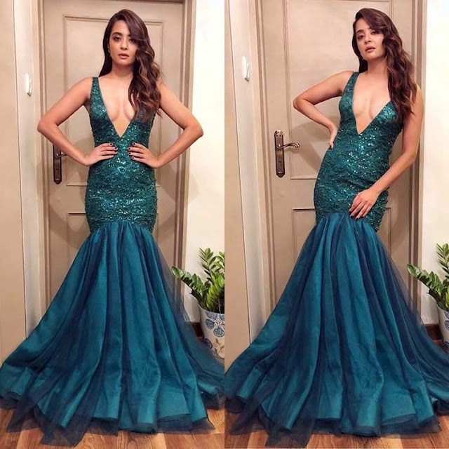 Surveen Chawla at Jio Filmfare Awards 2018