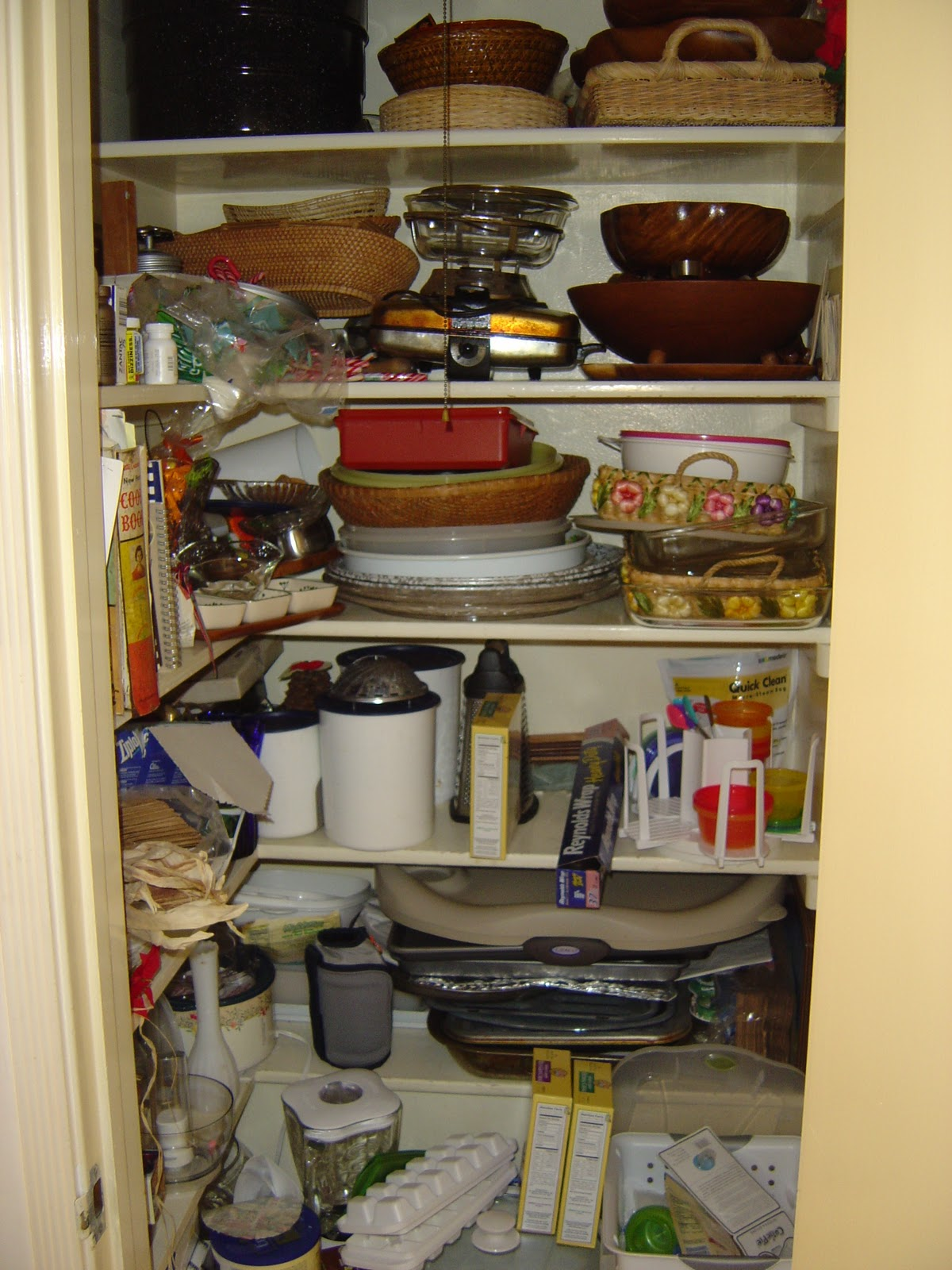 how to organize a walk in pantry