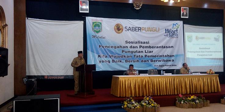 Bupati Malang Dr H Rendra Kresna resmi membuka acara sosialisasi Sapu Bersih (Saber) Pungli.
