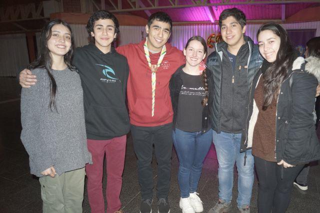 Bárbara Ayres, Ricardo Guzmán, Francisco Torres, Tania Prussing, Jorge Haase y Valentina Asenjo.