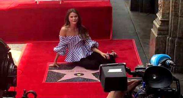 Felicty & The Americans Star Keri Russell gets Star on Hollywood Walk of Fame