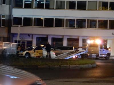http://www.rp-online.de/nrw/staedte/duesseldorf/taxi-prallt-auf-linienbus-aid-1.6833313