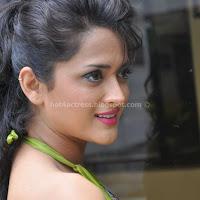 Telugu actress faith hot back show