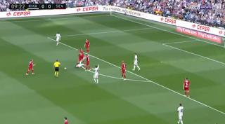 فيديو. هدف مثير للجدل لناتشو وهدف عالمى لرونالدو يقودان ريال مدريد للفوز برباعية امام اشبيلية  real madrid