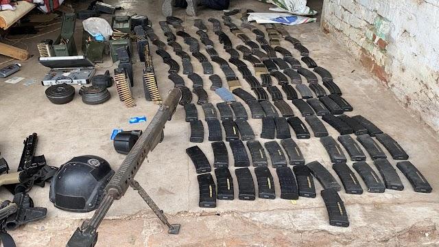 GUARDIAS NACIONALES DETIENEN A UNA PERSONA Y ASEGURAN 19 ARMAS LARGAS, 175 CARGADORES, GRANADAS Y MÁS DE 5 MIL CARTUCHOS
