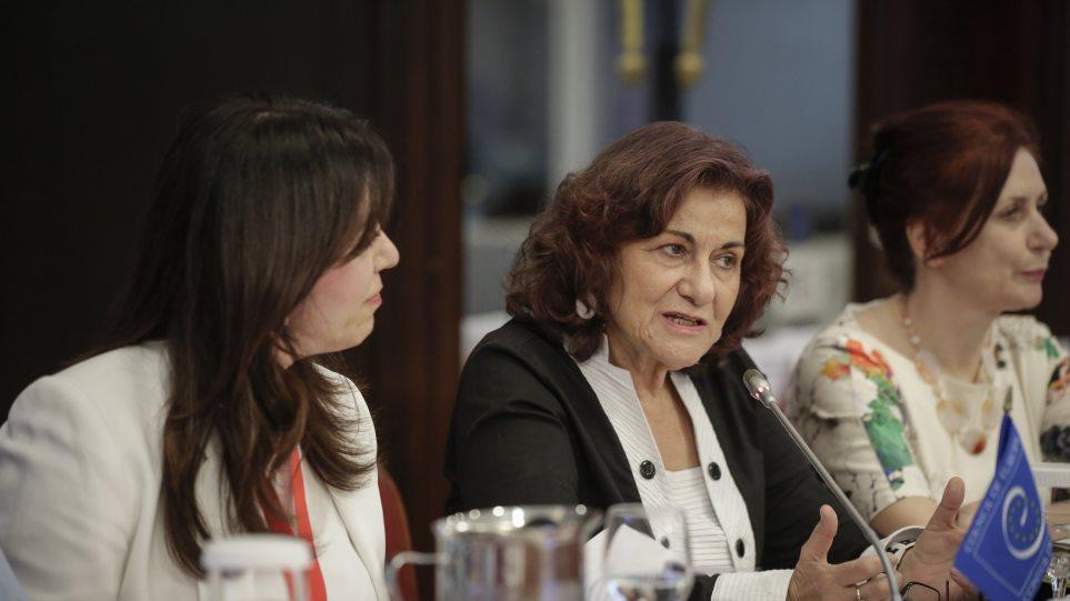 Φωτίου: «Οι Ρομά θα ξαναβρούν τη θέση τους στην ελληνική κοινωνία»!  πότε την έχασαν?