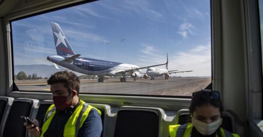 Aerolínea LATAM anuncia el despido de 1,400 trabajadores en Chile, Colombia, Ecuador y Perú