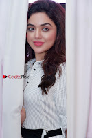 Actress Ragini Nandwani Pos in Stylish Dress at Hadiya Movie Promotion  0002.jpg