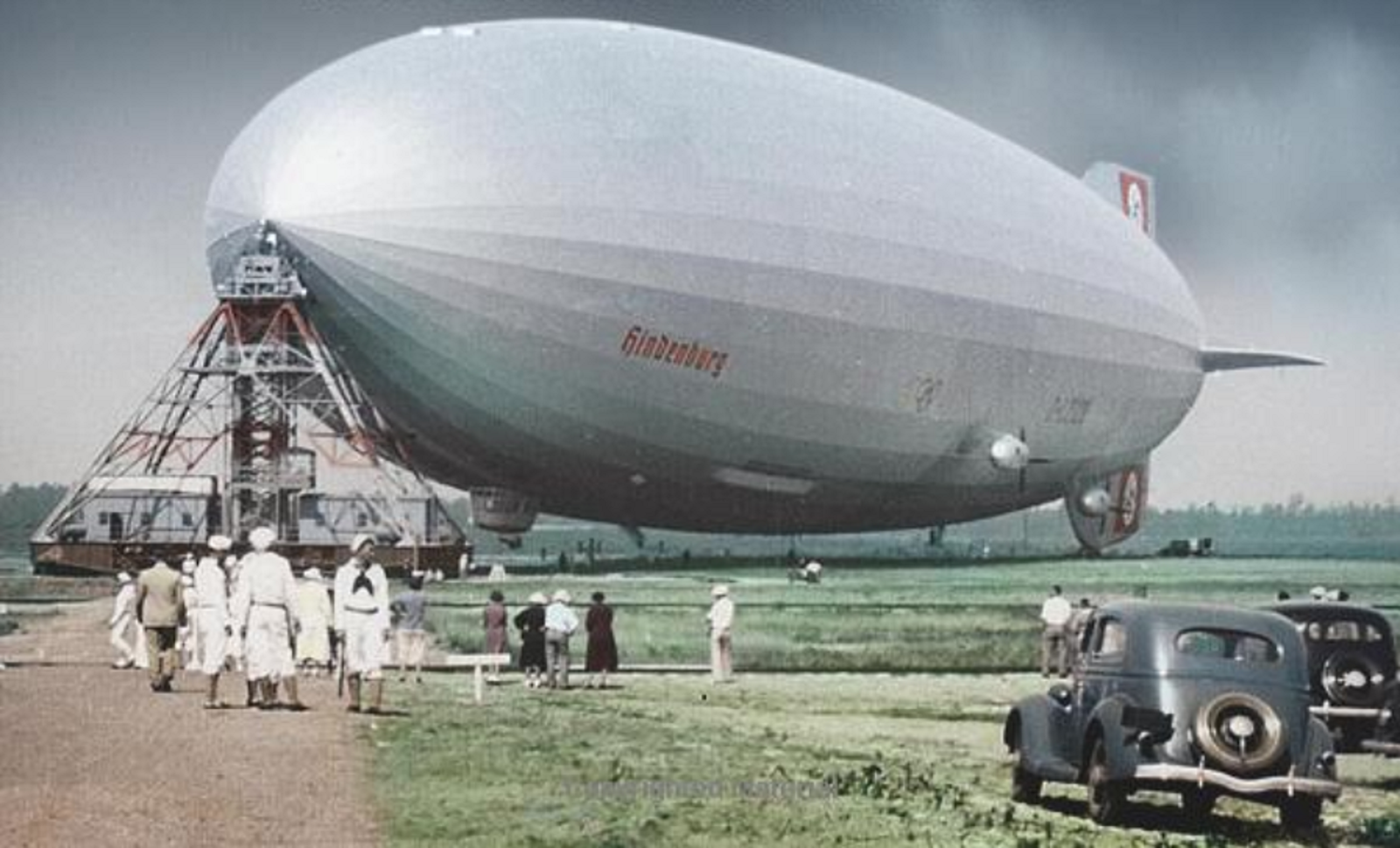 LZ 129 HINDENBURG, 1936, In Lakehurst   Digital Copy Of A Coloured Cover  Photo, Originally By Bill Schneider, Published In Dan Grossman´s Book  `ZEPPELIN ...