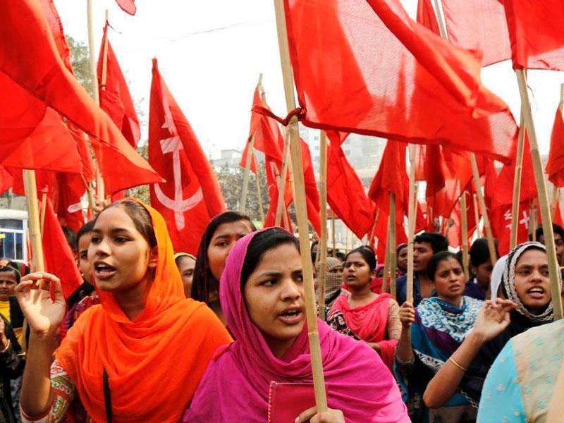 Gobierno de Bangladesh promete mejoras a sector textil tras protestas.