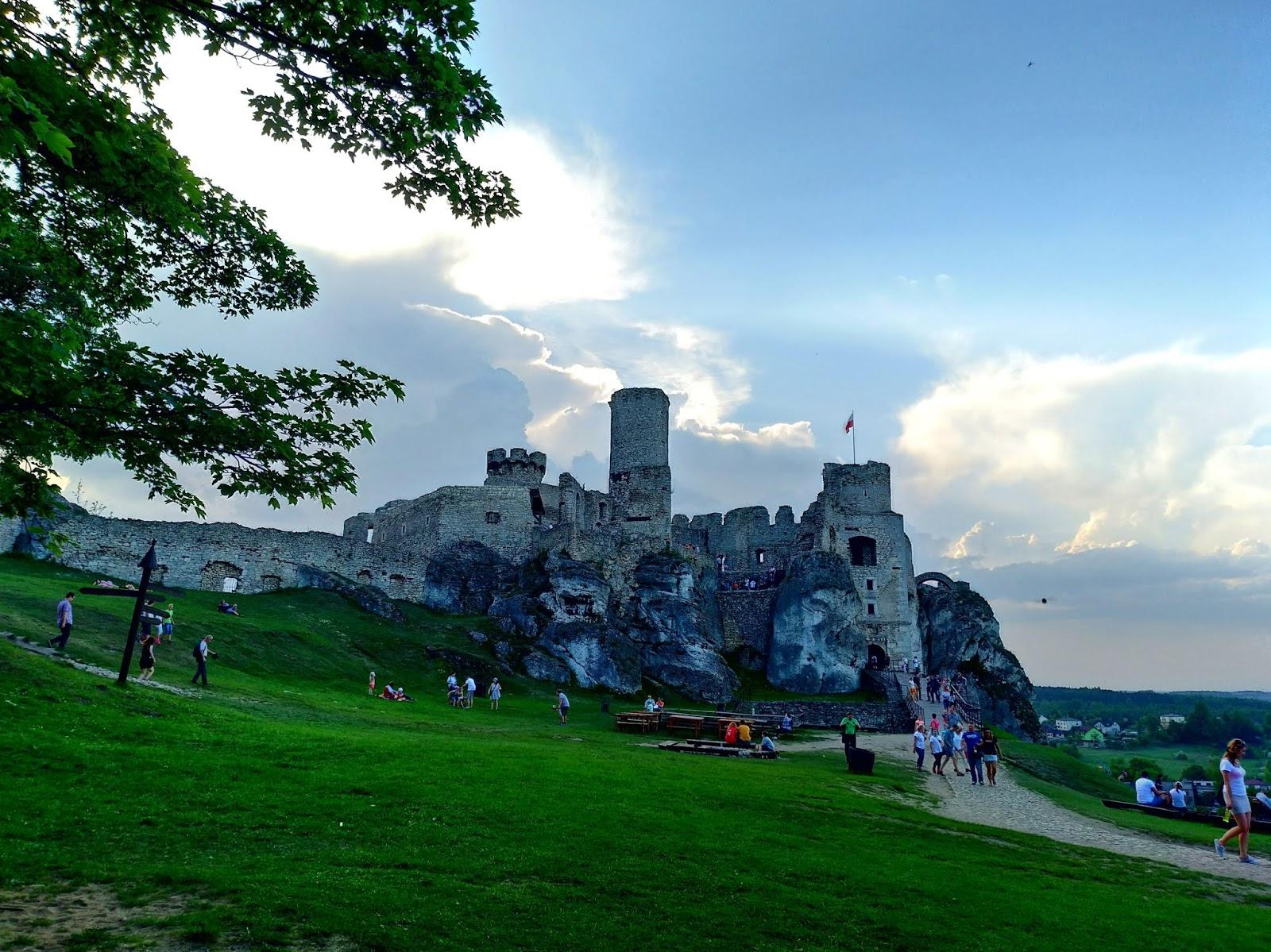Zamek w Ogrodzieńcu w weekend - tak czy nie?