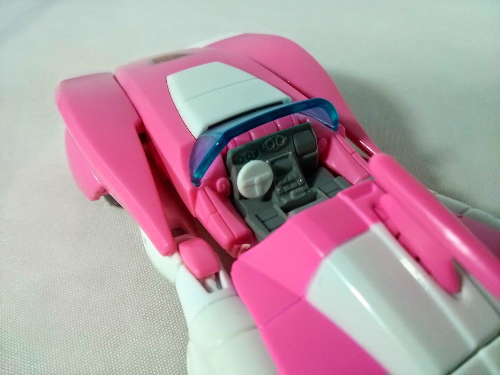 takara transformers legends arcee