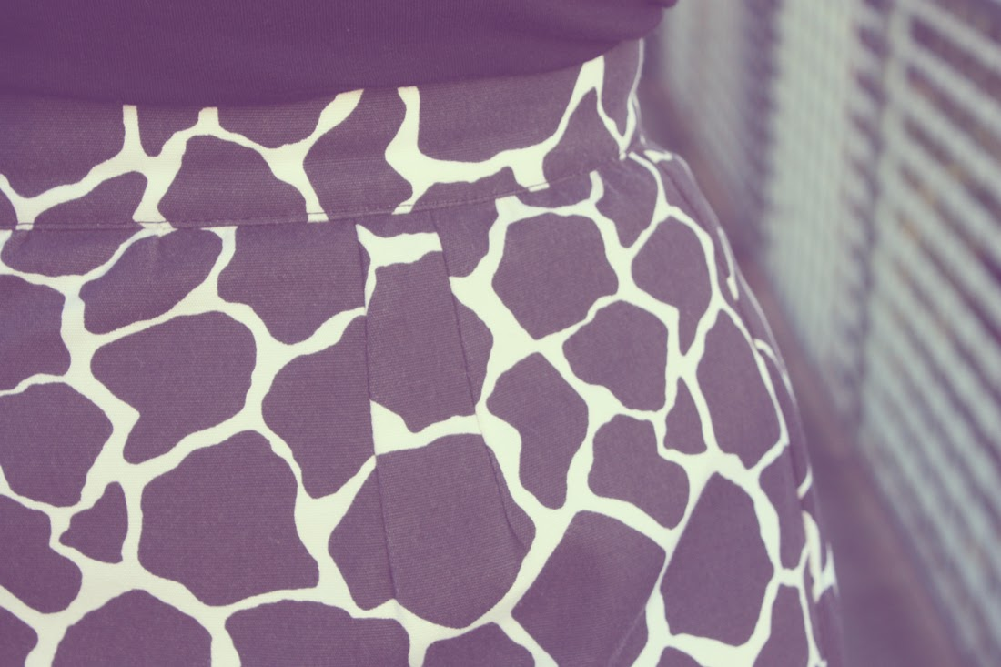 Falda con estampado animal print de vaca