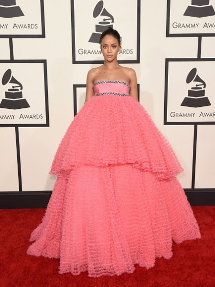 love or loathe riri's grammy look
