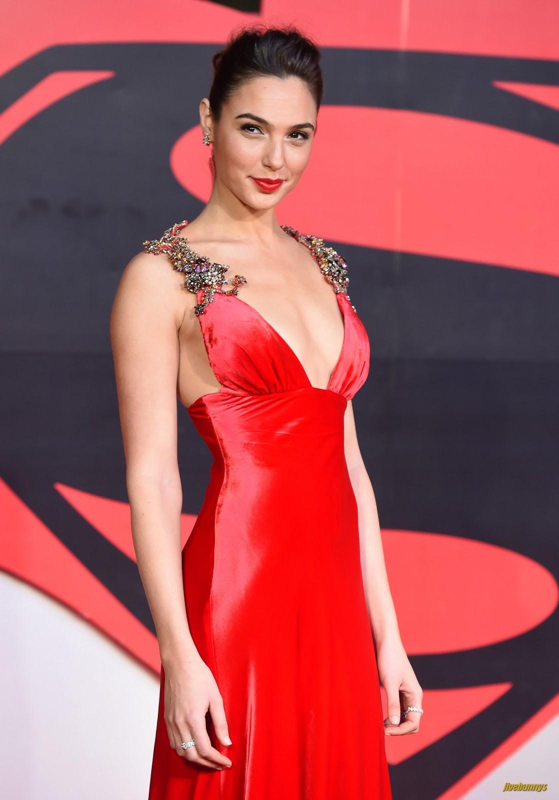 hot actress gal gadot - photo #24