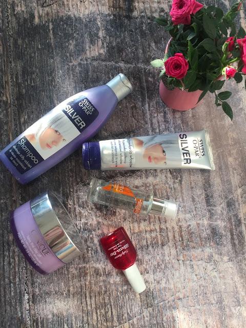 5 kosmetyków, które zmieniły moje życie w 2017 roku (babski kącik)/5 cosmetics that changed my life in 2017 (women's corner)