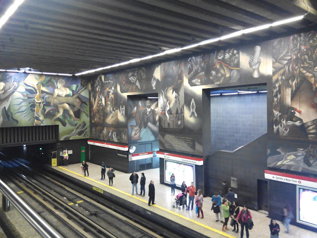 Metro Universidad de Chile Barrio París-Londres Santiago de Chile