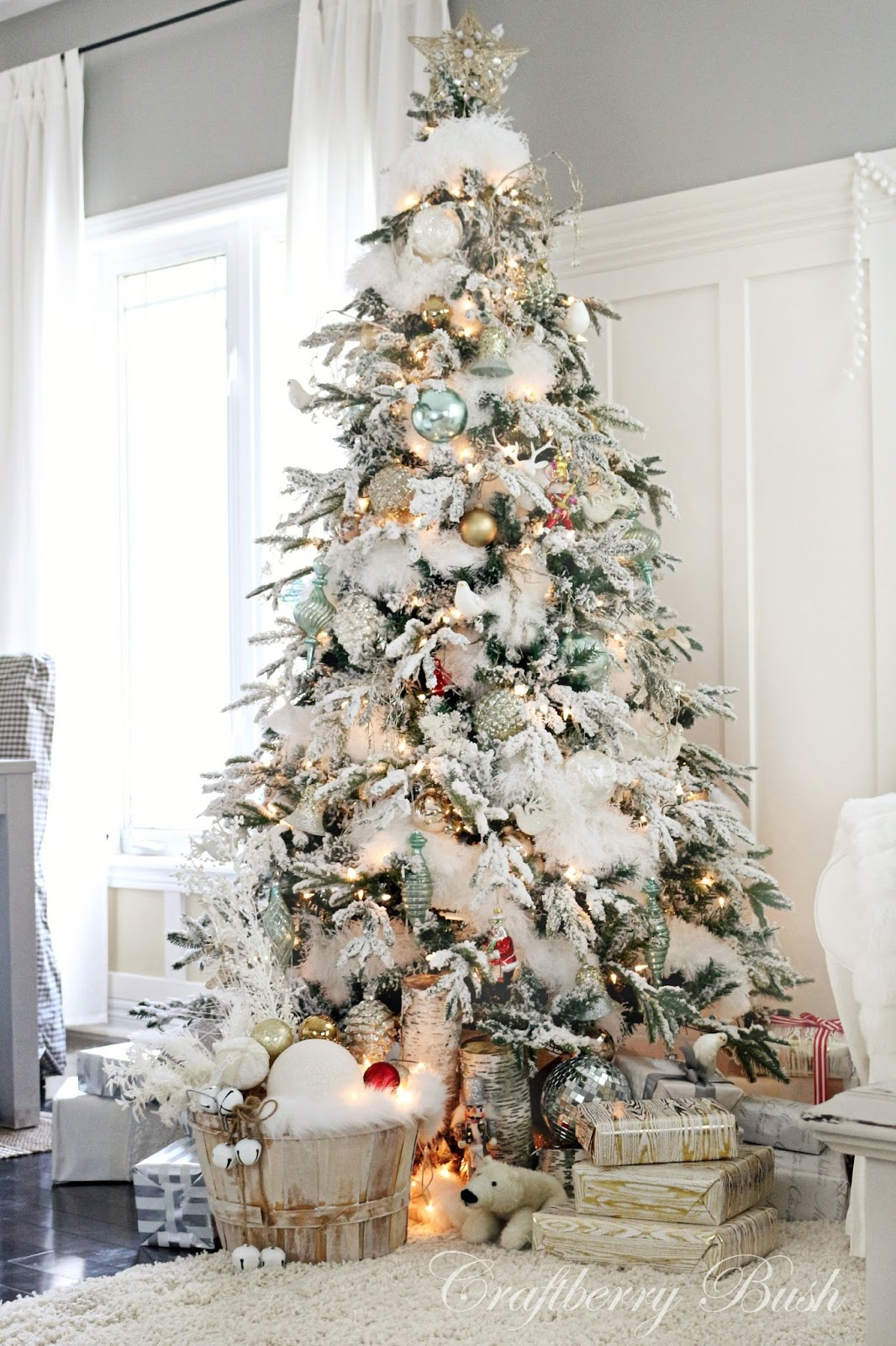 Monday Moments with Beautiful Christmas Trees
