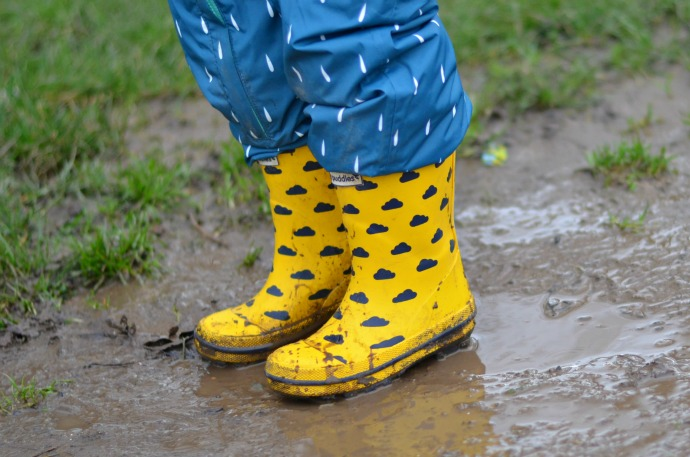 muddy puddles, muddy puddles wellies, yellow welly boots