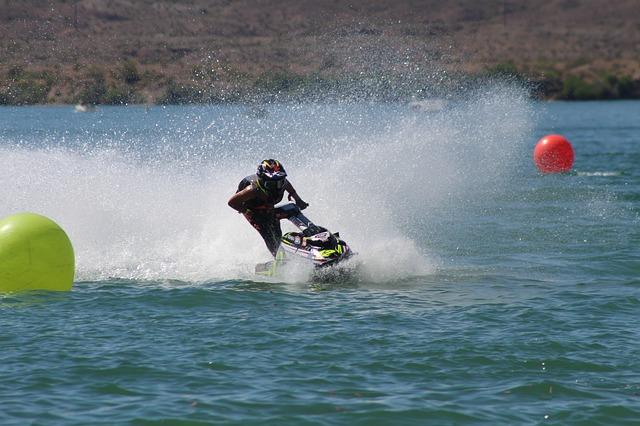 Play Jet ski  in Lake Havasu