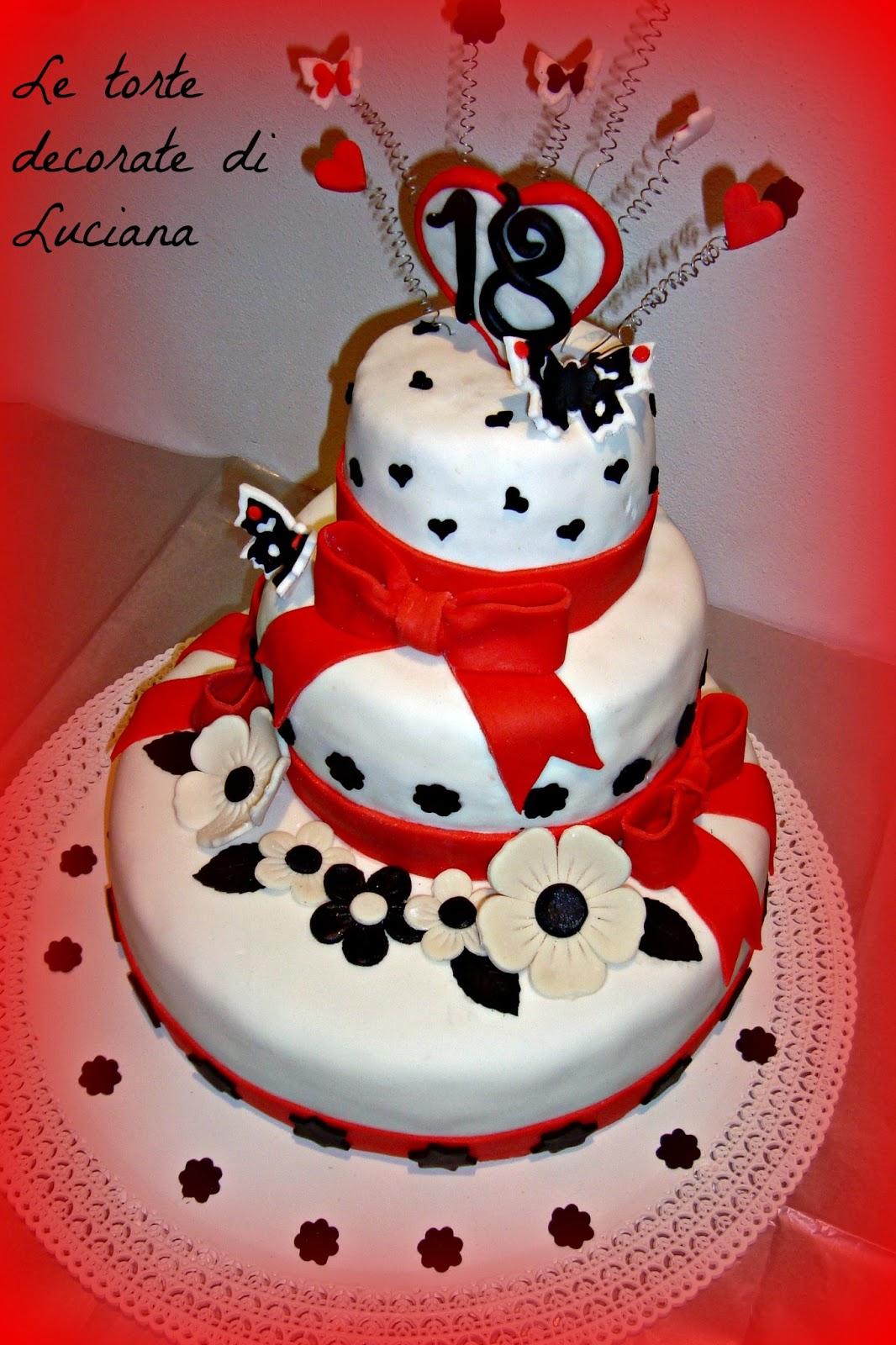 Le torte decorate torta 18 anni in bianco rosso nero for Arredamento bianco nero e rosso