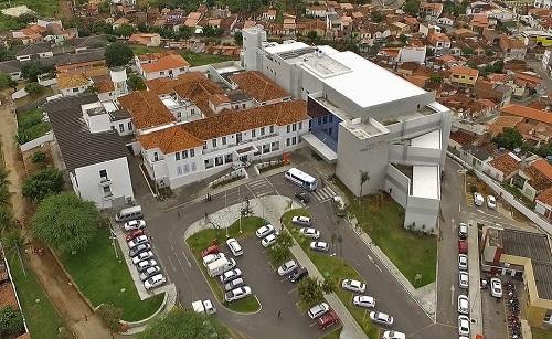 Resultado de imagem para hospital prado valadares