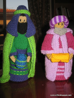 the green and purple magi, different heights, not quite according to instructions