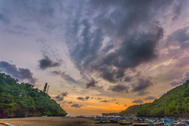 sunrise pantai baron gunung kidul