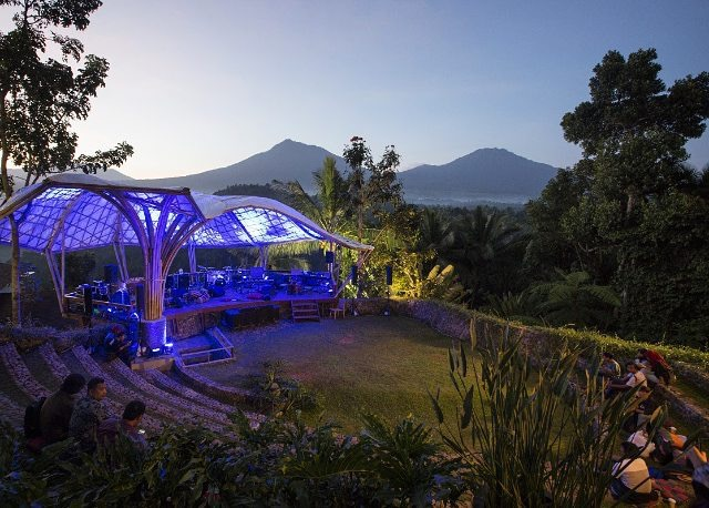 Wisata Alternatif untuk Para Solo Traveler di Indonesia