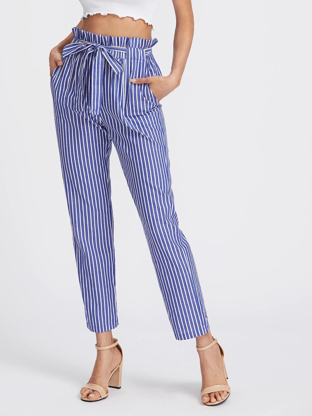 pantalones a rayas a la cintura