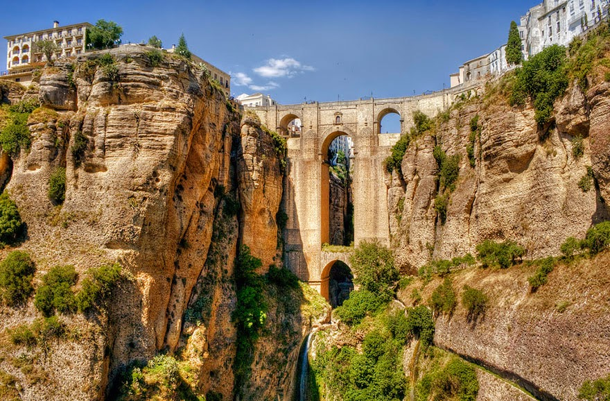Ronda, Malaga Spain - 20 Mystical Bridges That Will Take You To Another World