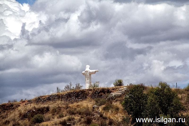 Статуя Белого Христа (Cristo Blanco). Куско. Перу