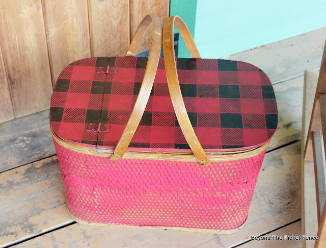 Use a Buffalo Check Stencil to Update a Vintage Picnic Basket