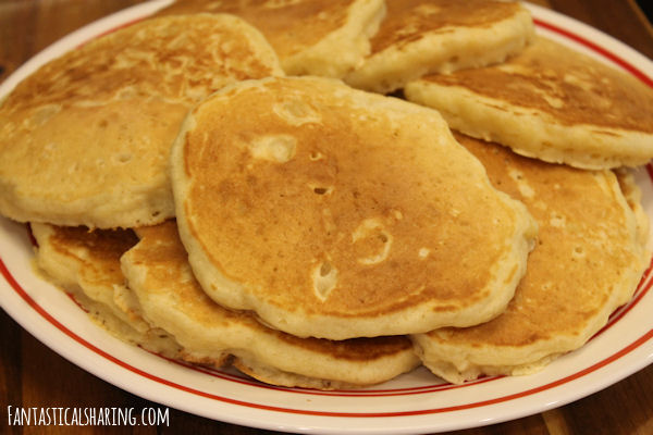 Pete's Scratch Pancakes (with pineapple) // This pancake recipe is tried and true by a man named Pete's family -- and now my family too! #recipe #breakfast #pancakes #homemade #pineapple