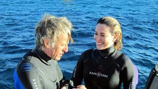 Blanca Suarez y Jesús Calleja submarinismo en el Mar Rojo
