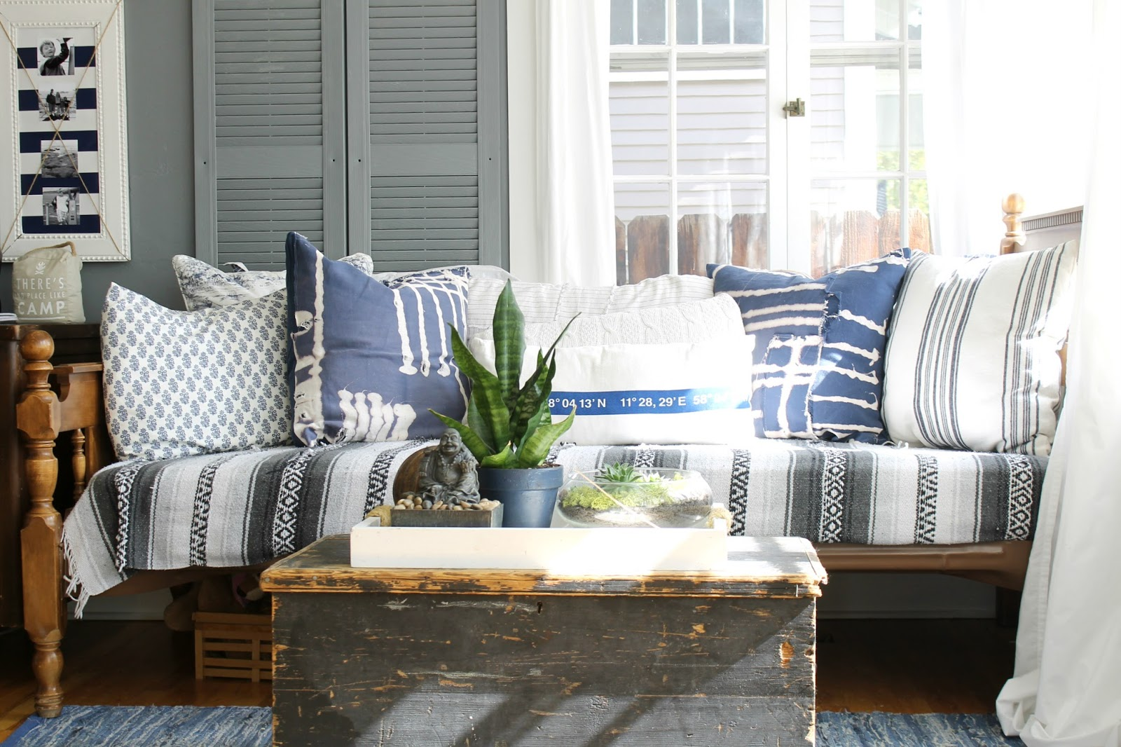 Coastal Farmhouse Decor: Coastal Bohemian Farmhouse Style